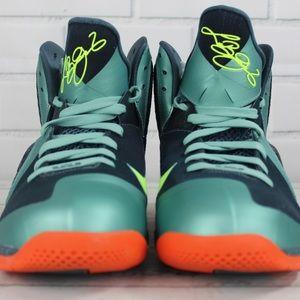 Nike Shoes - Nike Lebron IX Cannon's Basketball Shoes 10.5